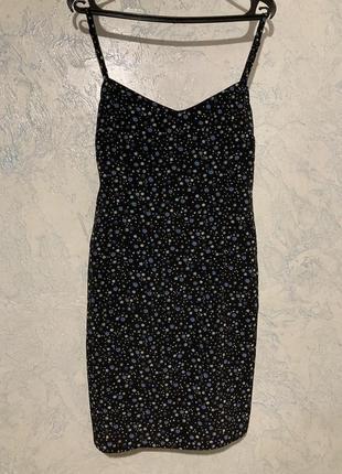 Літнє приталене коротке плаття
