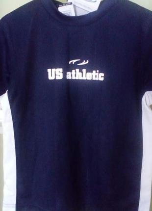 Спортивные футболка