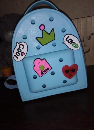 Рюкзачок, можно носить как сумочку ремешок регулируются