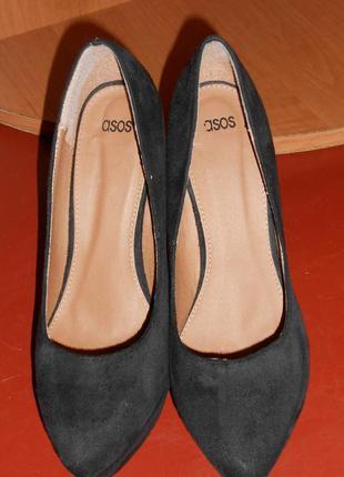Туфли черные замшевые на танкетке asos