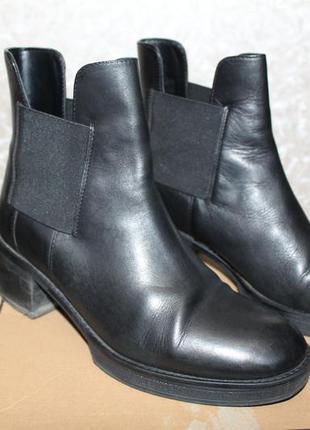 Актуальные ботинки челси  asosразмер 37-38(по стельке 24.5 см)