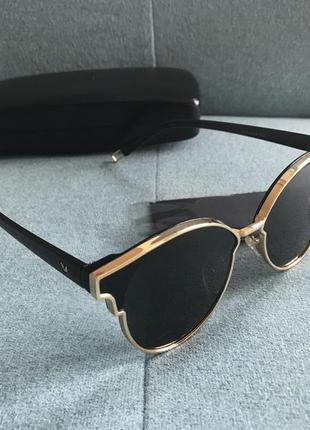 Balensiaga-  изысканные солнцезащитные очки