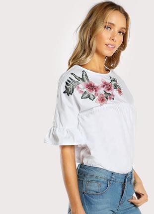 Крутая повседневная объемная белая блуза с вышивкой shein