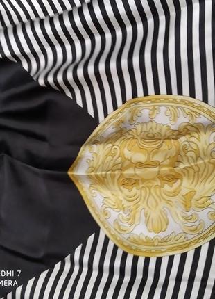 Шелковый женский платок.
