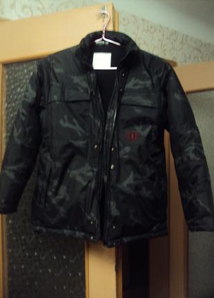 Теплая зимняя куртка б/у на мальчика р.152, можно и больше