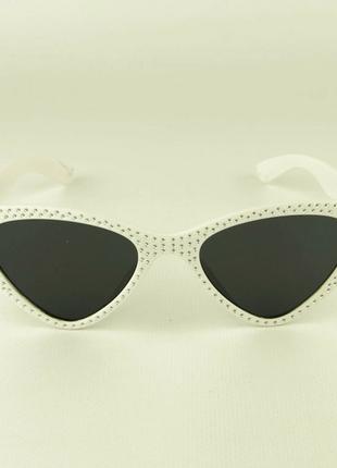 Модные очки кошачий глаз - белые со стразами (имитация)