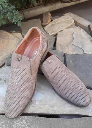 Мужских туфли с перфорацией кожа