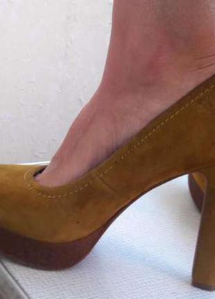 Срочно! кожаные туфли -лодочки respect горчичного цвета 38-39 р