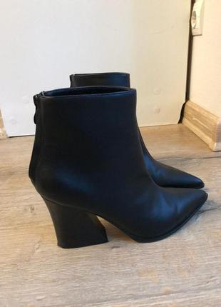 Ботинки модные мода 2021