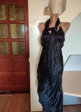 Черное шелковое ассиметричное платье на девушку.