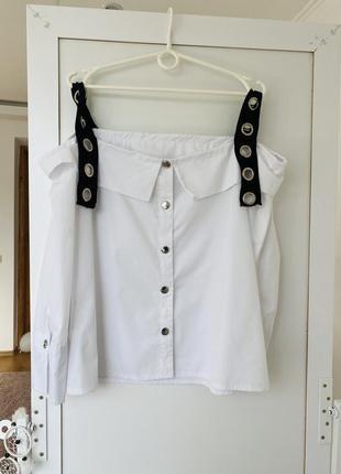 Блузка зі спущеними рукавами