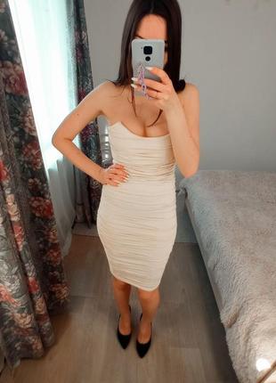 Корсетное бежевое платье миди