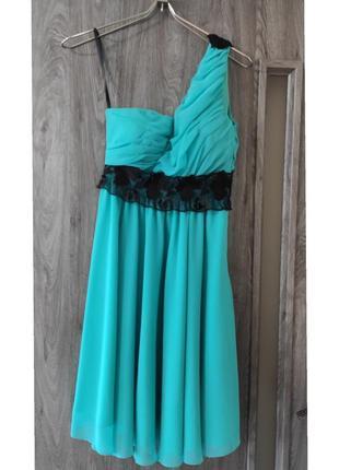 Красивое мятное вечернее платье