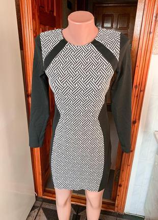 Платье h&m divided плаття з принтом