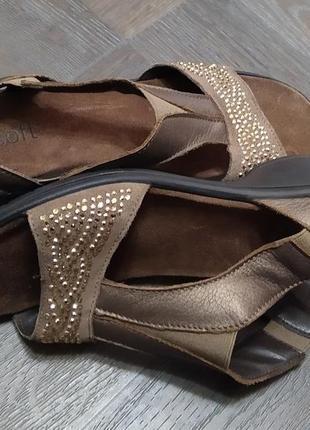 Кожаные босоножки, италия.4 фото
