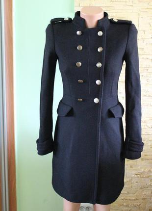 Актуальное пальто с воротником стойкой от zara