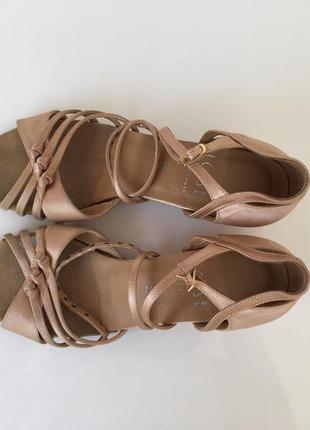Танцевальные туфли для девочки eckse, разм 24