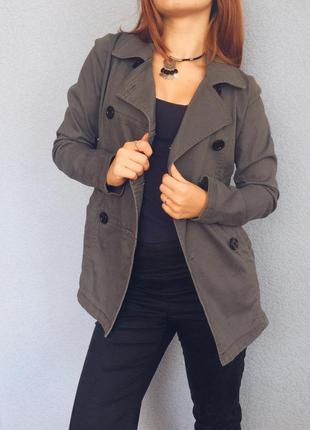 Короткое пальто,серое пальто,пальто с пуговицами