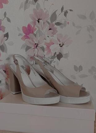 Туфли на каблуке/босоножки на каблуке