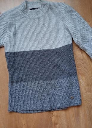 Светр,пуловер