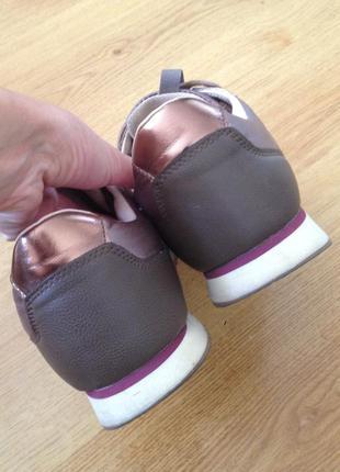 Стильные демисезонные кроссовки parfois