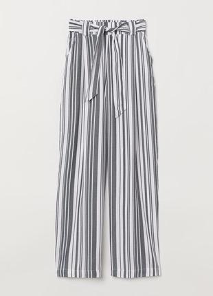 Легкие брюки h&m в полоску  летние