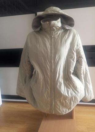 Теплая зимняя куртка на флисовой подкладке.