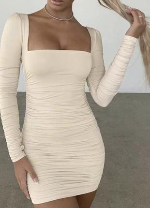 Кремовое платьице