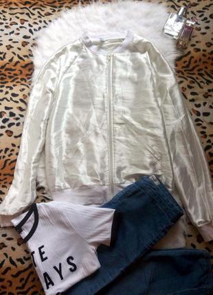 Белый атласный бомбер куртка от american appare