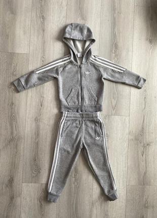 Спортивный костюм adidas серый унисекс