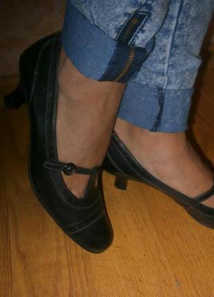 Кожаные качественные туфли
