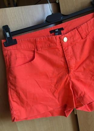 Очень красивые стильные летние яркие джинсовые шорты тренд 2021