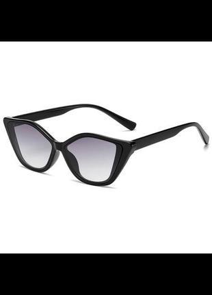 Трендовые очки солнцезащитные cat eyes
