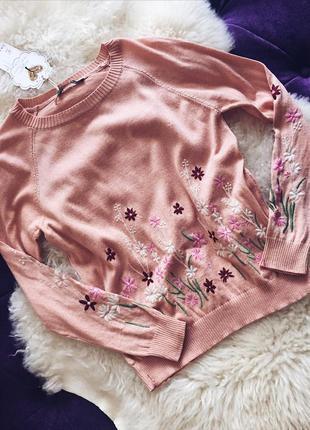 Стильная пудровая кофточка с вышивкой в наличии трендовый пудровый цвет