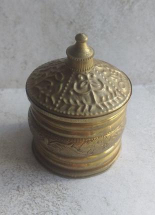 Шкатулка коробочка в восточном стиле с крышкой маленькая