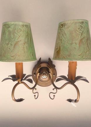 Бра светильник с абажурами