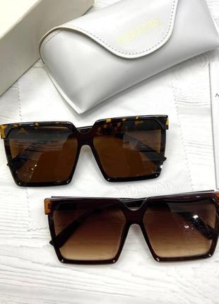 Стильные брендовые очки