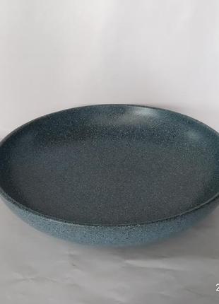 Миска для вареников из красной глины в глазури гранит