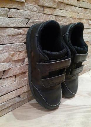 Кросівки туфлі