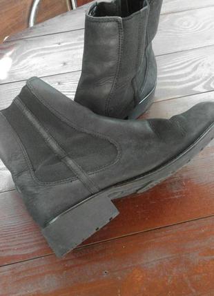 Крутые кожаные ботинки челси от clarks