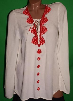 Красивая нежная рубашка (м) 100% вискоза ,к телу приятная, с узором.
