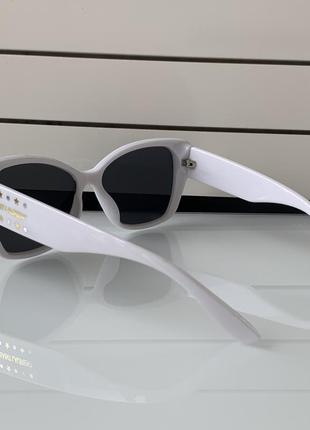 Очки солнцезащитные брендовые  белые сен лоран