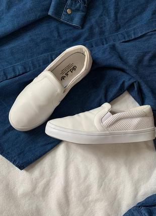 Adidas женские  кожаные кроссовки слипоны