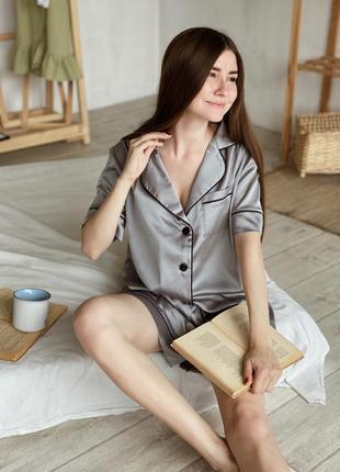 Пижамный комплект (футболка+шорты)  серый