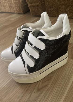Кеды, кроссовки на платформе