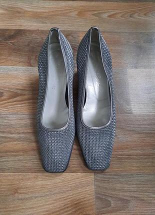 Шыкарные туфли квадратный носок италия