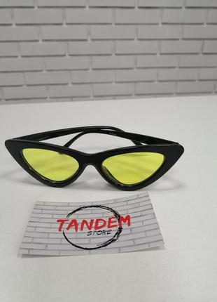 Женские солнцезащитные очки лисички желтые