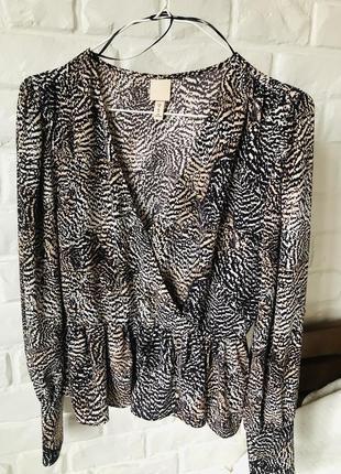 Класна блуза в принт