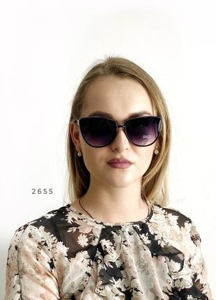 Стильні чорні сонцезахисні окуляри к. 2655