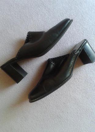 Кожаные чёрные туфли сабо на низком каблуке 27см